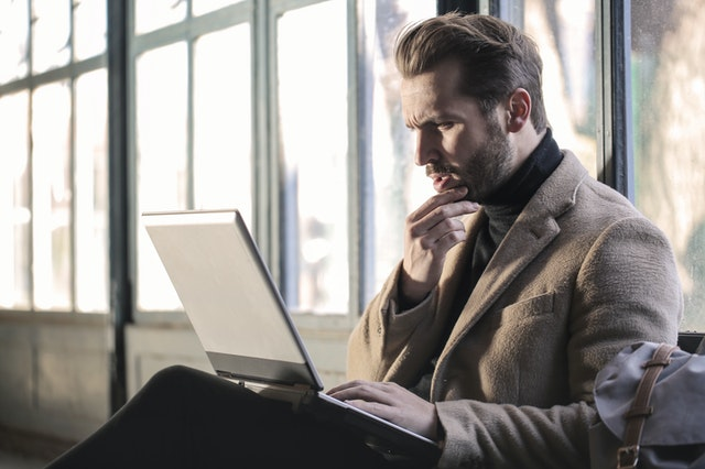 guy confused about which online course platform to choose